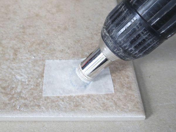 Чем вырезать отверстие в плитке под розетку
