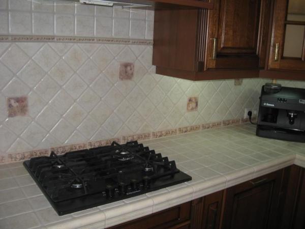 Столешница - дна из обязательных элементов кухни
