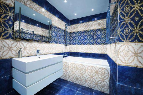 Многие предпочитают использовать крупный кафель, как на стенах так и на полу