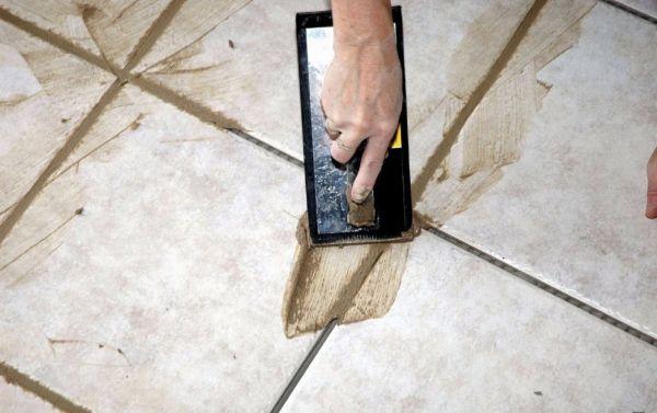 В качестве основного компонента цементной затирки выступает цемент