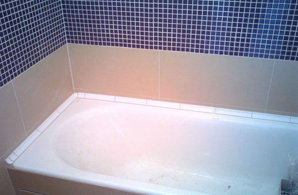 Герметизация швов ванны и стены необходима