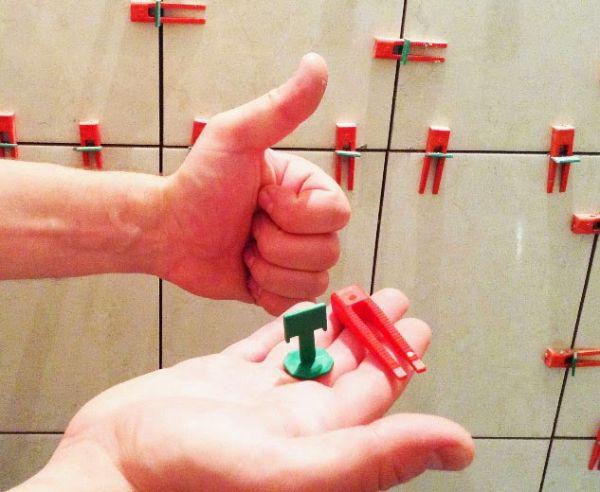 Крестики используются при укладке плитки с целью выравнивания