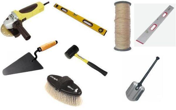 Если все материалы и инструменты готовы, можно приступать к грунтованию и разметке основания