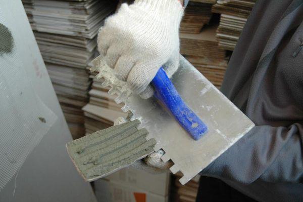 Укладка гипсовой плитки