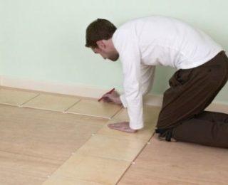 Советы, как положить кафельную плитку на деревянный пол