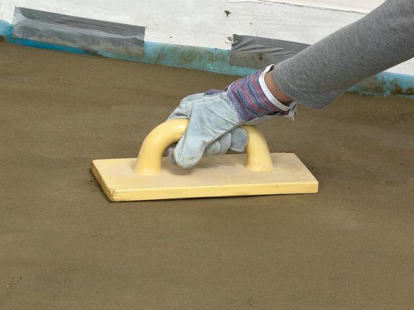 Перед укладкой керамической плитки необходимо внимательно осмотреть основание