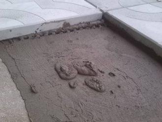 Как правильно выполнить укладку тротуарной плитки на бетон