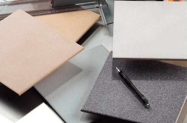 Глазурованная керамическая плитка