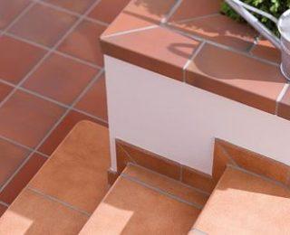 Обкладка ступеней лестницы плиткой