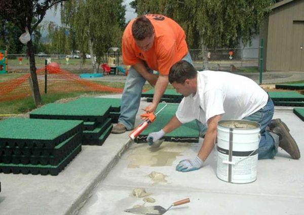 монтаж павиластика на бетон