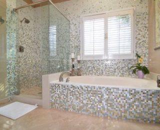 Укладка мозаичной плитки в ванной комнате