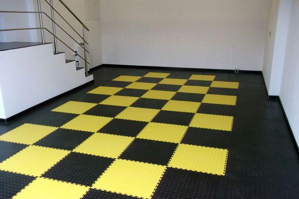 резиновая плитка в гараже