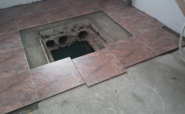 Крышка люка в подвал