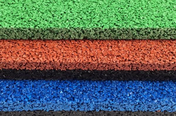 разноцветные плитки из резины