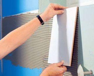 Как клеить плитку на окрашенную поверхность