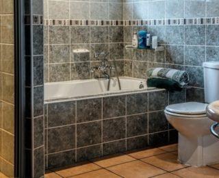 С чего начать класть плитку в ванной комнате и что нужно для укладки