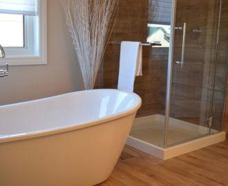 Ремонт в ванной и порядок работы с керамической плиткой